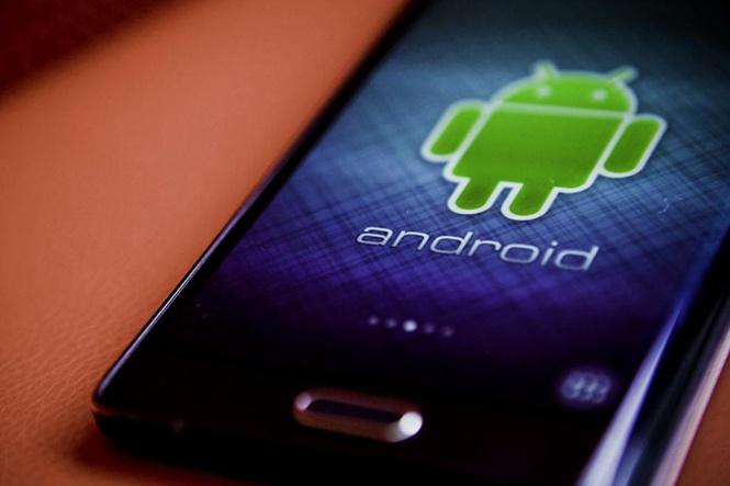 36 mẫu smartphone bị tố cài sẵn mã độc theo dõi người dùng - ảnh 1